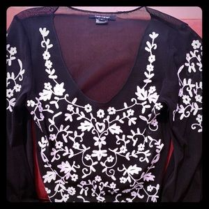 Karen Karen black/white embroidered top